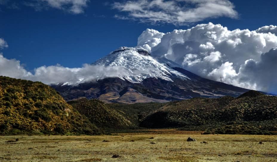"""O gigante, o maioral, o colosso Cotopaxi, o vulcão ativo mais alto do <a href=""""http://viajeaqui.abril.com.br/paises/equador"""" rel=""""Equador"""" target=""""_blank"""">Equador</a>"""