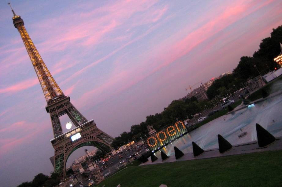 Torre Eiffel, vista a partir das fontes do Palais Chaillot