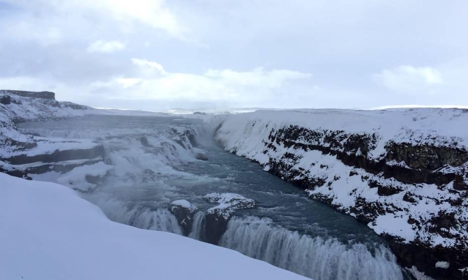 """A região no entorno da queda dágua de Gullfoss, na <a href=""""http://viajeaqui.abril.com.br/paises/islandia"""" rel=""""Islândia"""" target=""""_self"""">Islândia</a>, abrigou o almoço do fotógrafo"""