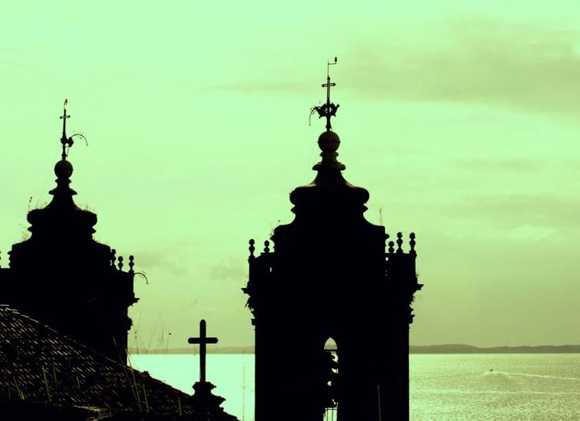 """Torres da <a href=""""http://viajeaqui.abril.com.br/estabelecimentos/br-ba-salvador-atracao-igreja-n-s-da-conceicao-da-praia"""" rel=""""Igreja de Nossa Senhora da Conceição"""" target=""""_self"""">Igreja de Nossa Senhora da Conceição</a>, em <a href=""""http://viajeaqui.abril.com.br/cidades/br-ba-salvador"""" rel=""""Salvador"""" target=""""_self"""">Salvador</a>, <a href=""""http://viajeaqui.abril.com.br/estados/br-bahia"""" rel=""""Bahia"""" target=""""_self"""">Bahia</a>"""