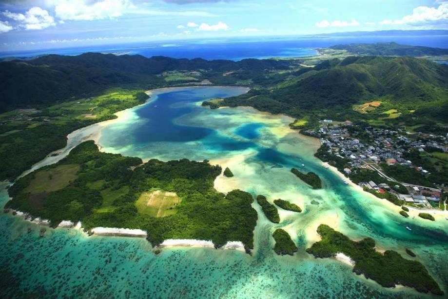 """Ilha Kabira, em Okinawa, arquipélago do sul do <a href=""""http://viagemeturismo.abril.com.br/paises/japao/"""">Japão</a>"""
