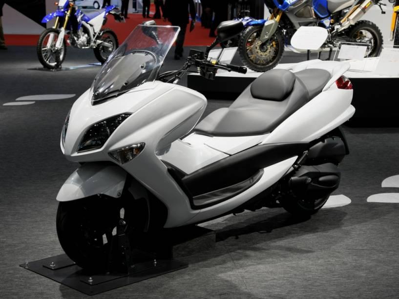 O Tokyo Motor Show traz também modelos do mundo das duas rodas, como o novo Yamaha Majesty 2012, o confortável quatro tempos que combina características de motocicletas e scooters