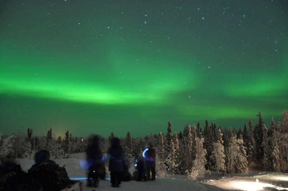 """<strong>Mackenzie, Canadá</strong>Bem ao norte do <a href=""""http://viajeaqui.abril.com.br/paises/canada"""" rel=""""Canadá"""" target=""""_blank"""">Canadá</a>, Mackenzie ocupava as divisões reais de Yukon, Territórios do Noroeste e Nunavut. Além de poços de petróleo, florestas boreais e reservas minerais, aqui fica a cidade de Yellowknife (foto). Este é um dos lugares mais frios e de clima mais imprevisível da América do Norte, mas ganhou fama por ser um dos melhores destinos do planeta para se apreciar o fenômeno da aurora boreal"""