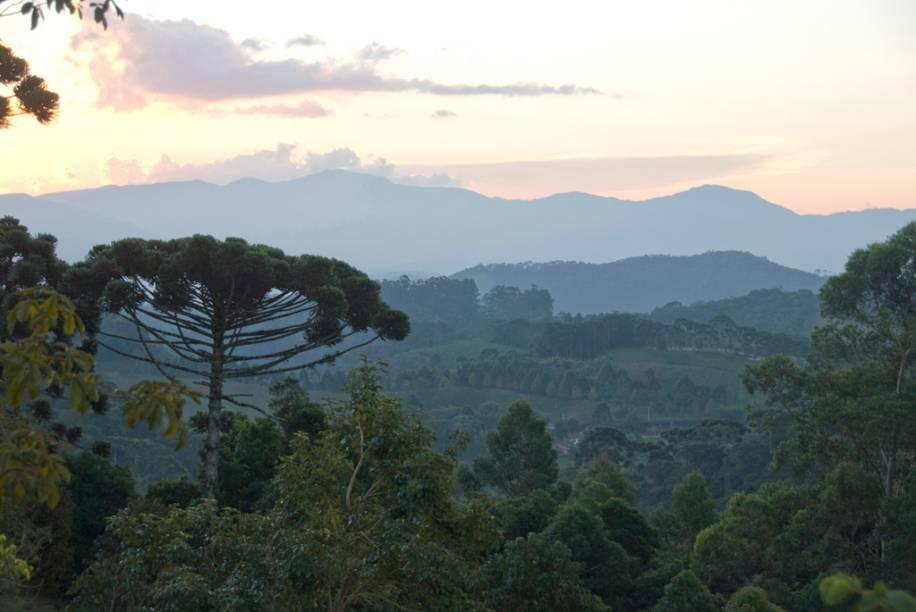 Serra da Mantiqueira vista a partir dos quartos da Pousada do Cedro