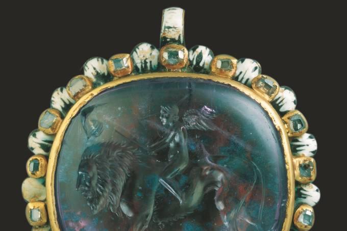 226b-entalhe-com-eros—credito-arquivo-do-museu-arqueologico-nacional-de-florenca.jpeg