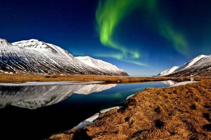 hedinsfjordur-auroraborealis-iceland.jpg