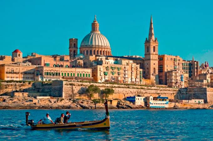 malta_-_valletta_from_marsamxett_harbour_01_by_clive_vella.jpeg