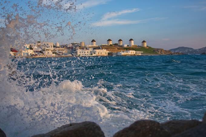 os-cinco-moinhos-da-ilha-de-mykonos-na-grecia.jpeg