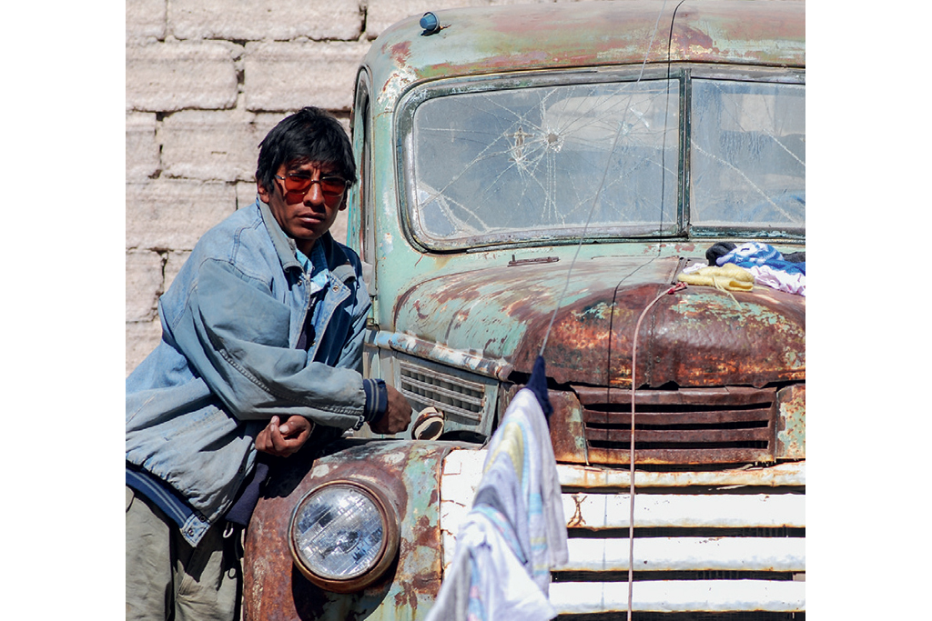 Vencedor Bem na Foto - James Dean do deserto no Salar de Uyuni