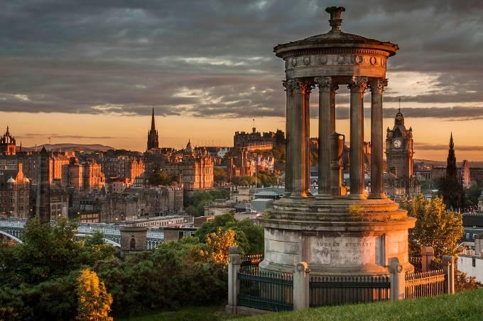 vista-da-cidade-de-edimburgo-escocia.jpeg