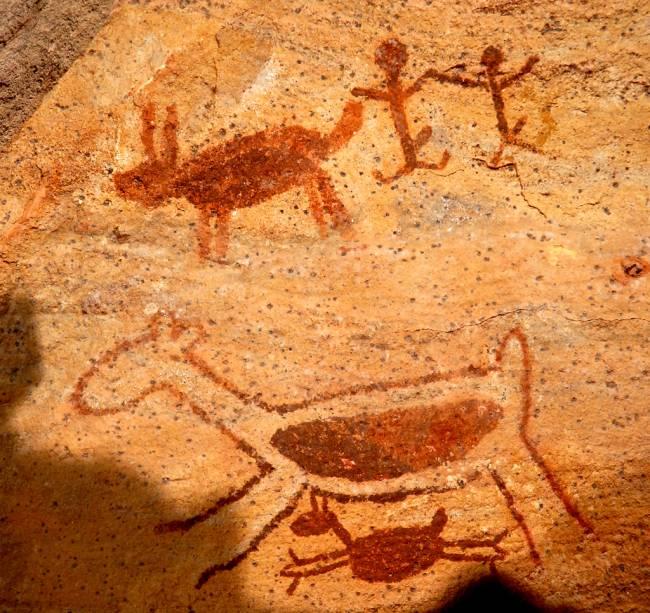 """Pinturas rupestres do Boqueirão da Pedra Furada no<a href=""""http://viajeaqui.abril.com.br/cidades/br-pi-serra-da-capivara"""" rel=""""Parque Nacional da Serra da Capivara"""" target=""""_blank"""">Parque Nacional da Serra da Capivara</a>, Piauí"""