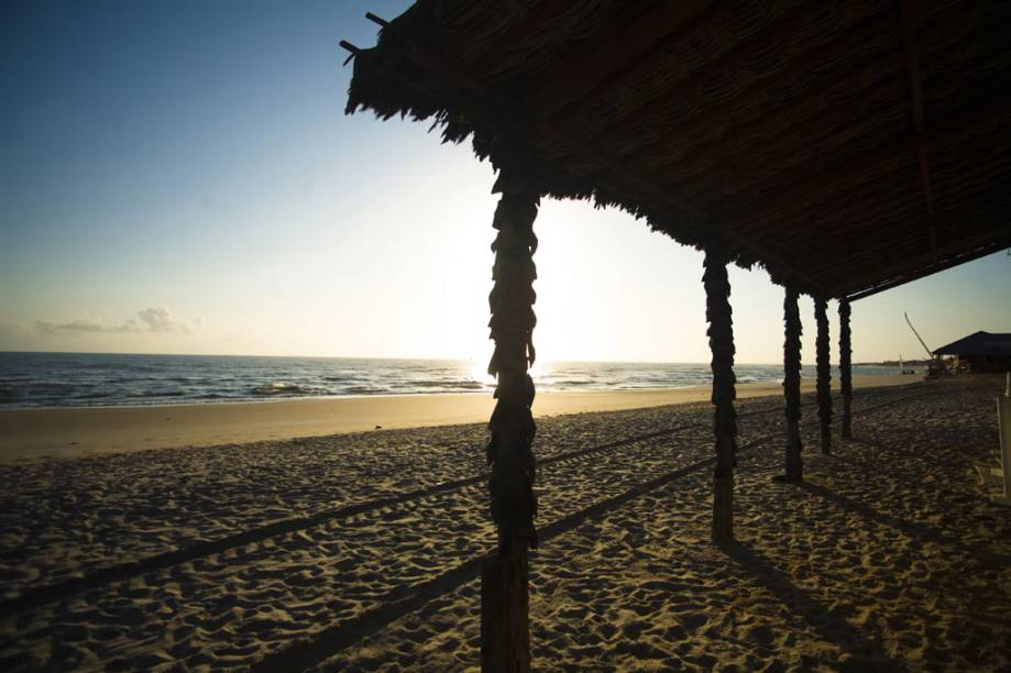 Entardecer na Praia de Canoa Quebrada.