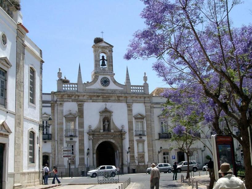 Centro histórico de Faro, capital do Algarve em Portugal