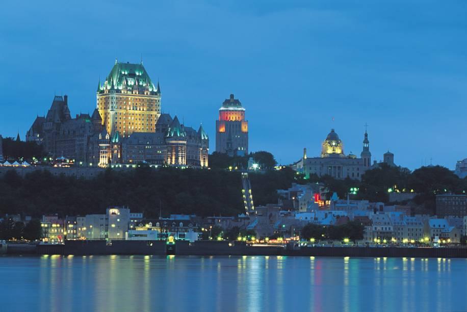 Vista do Château Frontenac, em Quebec, luxuoso hotel do século 19
