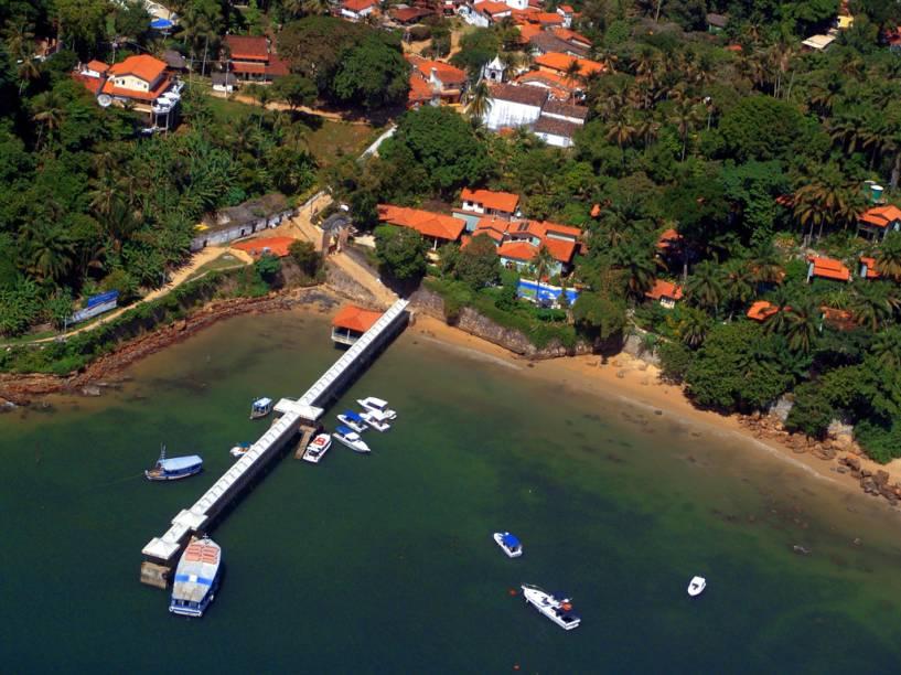 Vista aérea da vila de Morro de São Paulo – vindas do continente, as embarcações tem como destino o porto da vila
