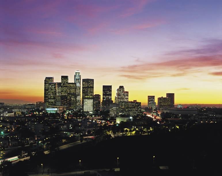 Na cosmopolita Los Angeles, tudo gira em torno da indústria do cinema e da música