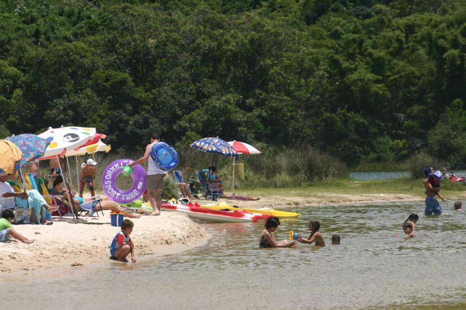 Lagoa de Ibiraquera, na Praia do Rosa