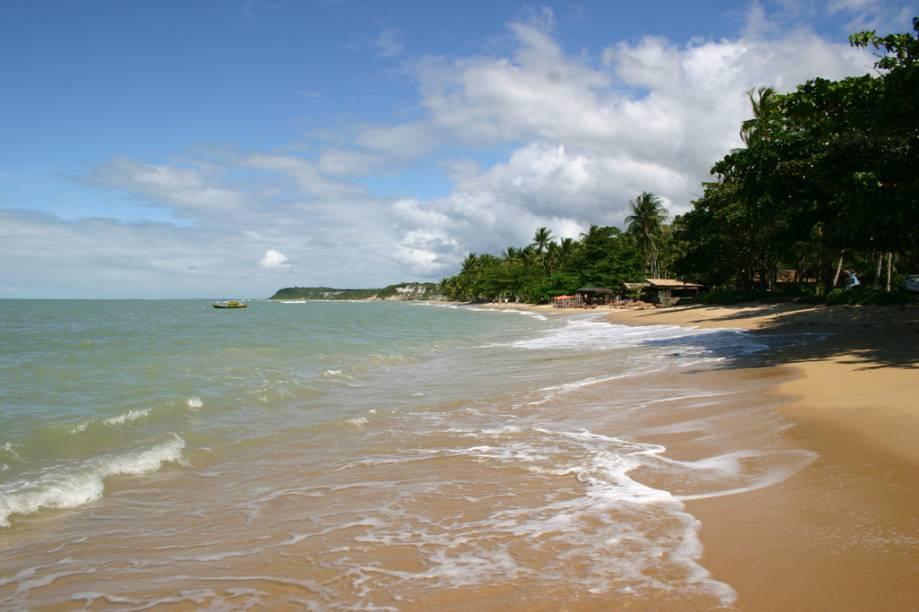 A Praia do Espelho, composta pelas praias do Curuípe e Espelho, é tida como uma das mais bonitas do país