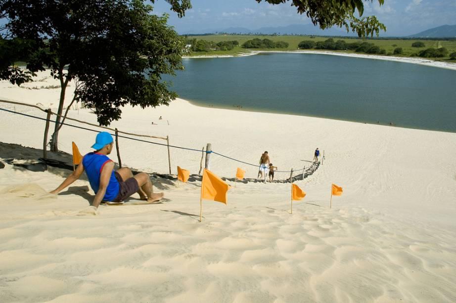 Esquibunda nas dunas de Cumbuco, na Costa Sol Poente