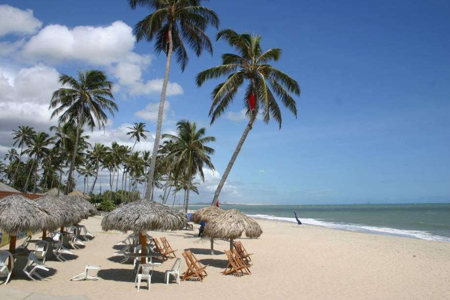 A maioria dos hotéis da cidade são propriedade de estrangeiros atraídos pelas ótimas condições para a prática de kite e windsurf