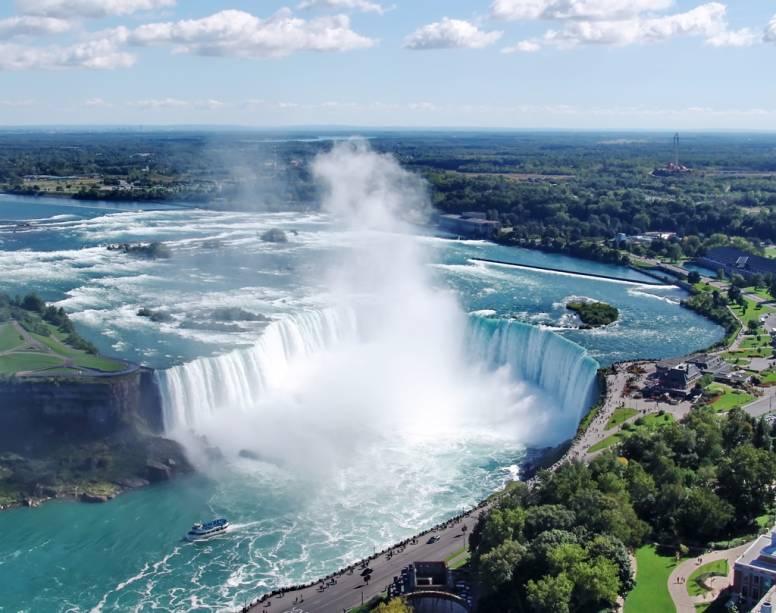Toronto está a menos de duas horas de carro das famosas Cataratas do Niágara