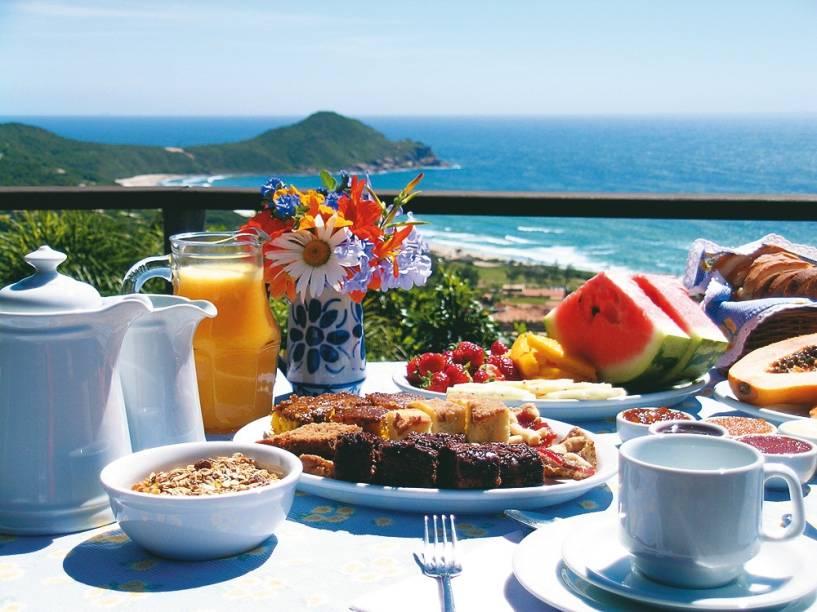 Café da manhã da Pousada Caminho do Rei, na Praia do Rosa