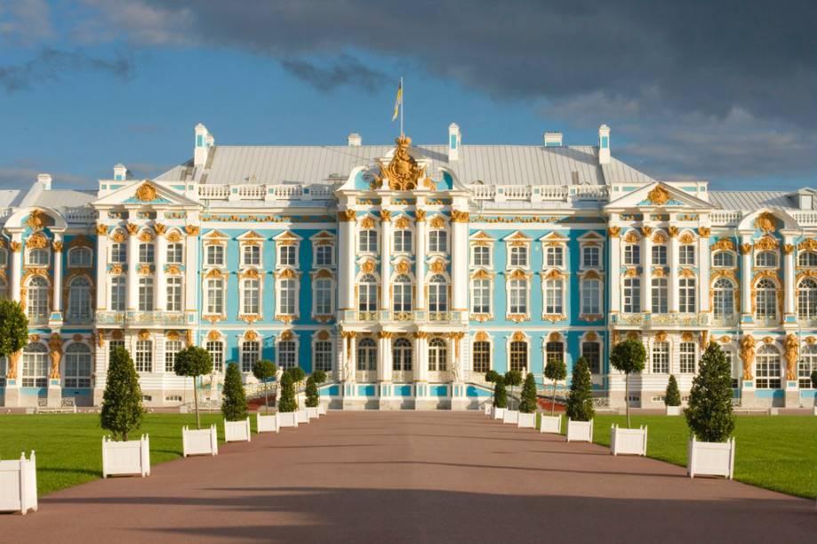 O Palácio de Catarina, construído em 1756, servia de residência de verão aos czares russos e suas famílias