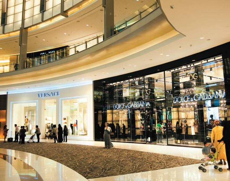 Hall do Dubai Mall, o maior centro de compras do mundo, com mais de 1 200 lojas