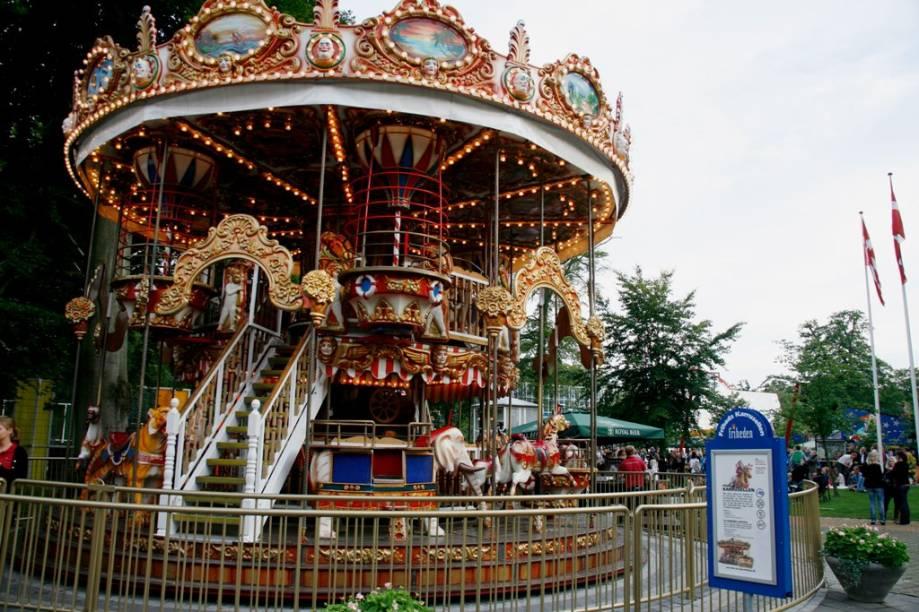 Carrossel no Parque Tivoli, Copenhague