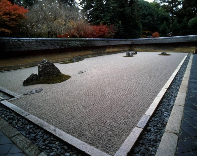 O famoso jardim de pedras do templo zen-budista Ryoanji, em Kyoto, utilizado para meditações