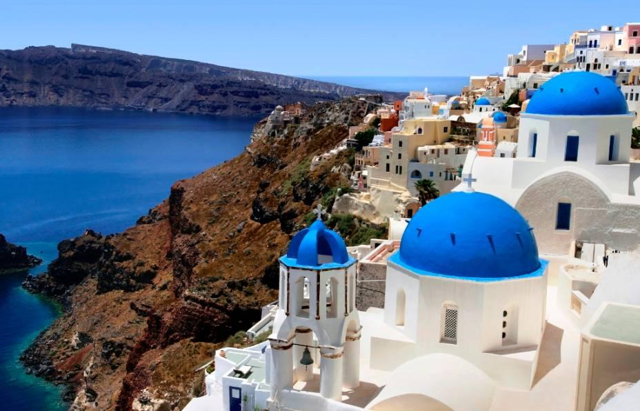 Santorini não tem praias como Mykonos, nem é a casa de Afrodite, mas é a nossa dica grega para casais apaixonados. E nem deu espaço para falar do pôr-do-sol...