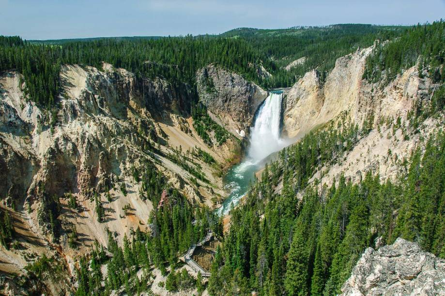 As cataratas de Yellowstone estão entre as maiores do mundo