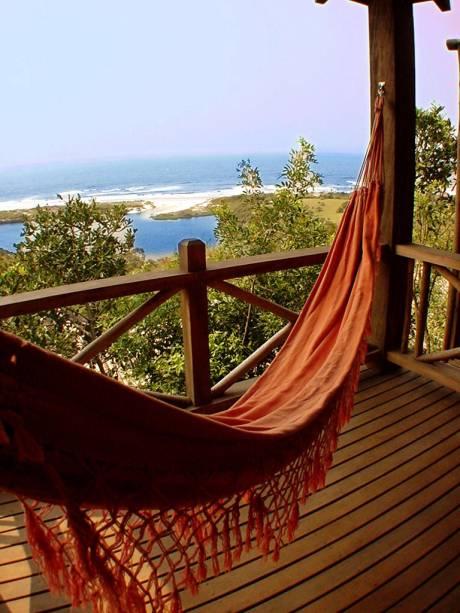 Rede na varanda da suíte da Pousada Solar do Mirador, na Praia do Rosa