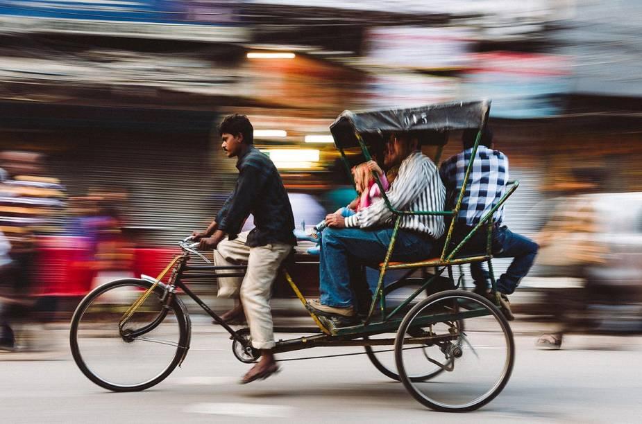 Um transporte comum na cidade (e em várias outras da Índia) é o rikishá - o táxi movido a pessoas