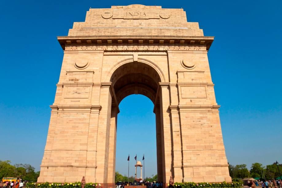 O Portal da Índia é o monumento nacional dos indianos e homenageia soldados tombados em guerras nas primeiras décadas do século 20. Inaugurado em 1931, quando o país ainda era uma colônia britânica, aqui localiza-se o túmulo do soldado desconhecido