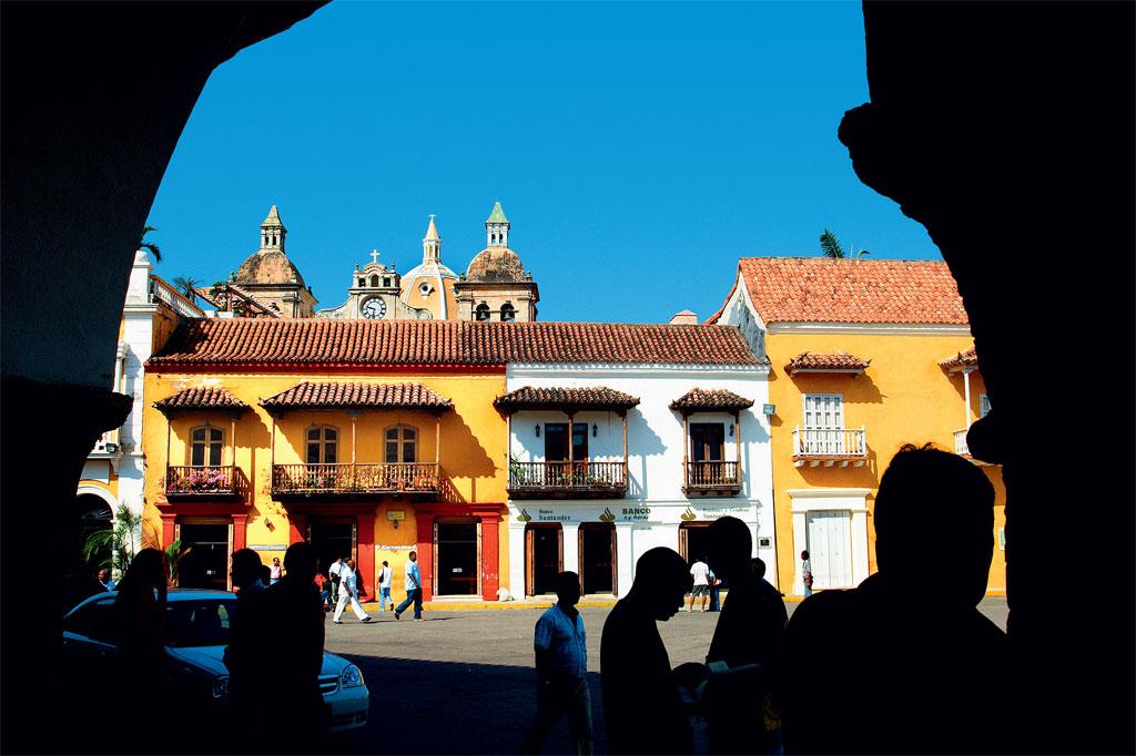 Colômbia: fachadas e balcões coloniais do Centro Histórico de Cartagena das Índias