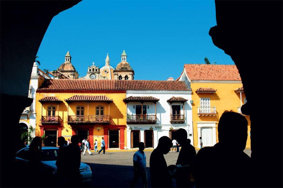 Fachadas e balcões coloniais do Centro Histórico de Cartagena das Índias