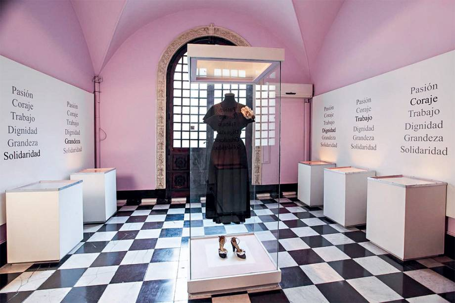 O Museo Evita, em Palermo, homenageia uma das figuras mais famosas do país com vídeos, fotos históricas, livros, recortes de jornais e pôsteres antigos. Também há relíquias da atriz e ex-primeira dama da Argentina, como roupas, sapatos, bolsas, chapéus, carteiras e até perfumes