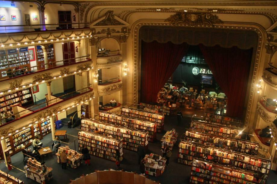 A Livraria El Ateneo, da Avenida Santa Fé, fica no edifício onde funcionou o Grand Splendid, um grandes teatros da década de 1920