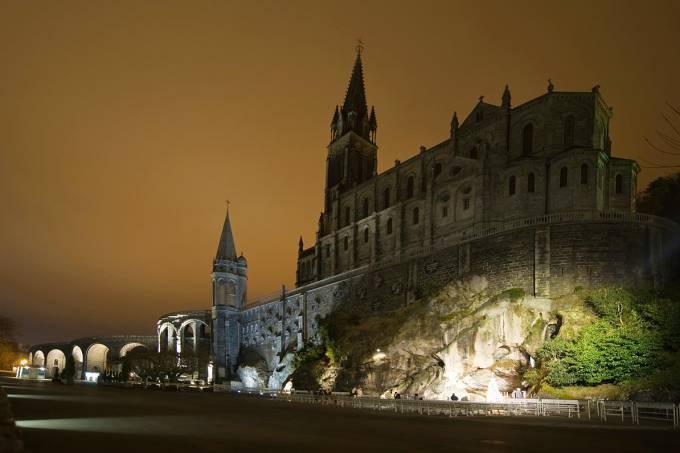 Santuário de Notre-Dame em Lourdes, sudoeste da França