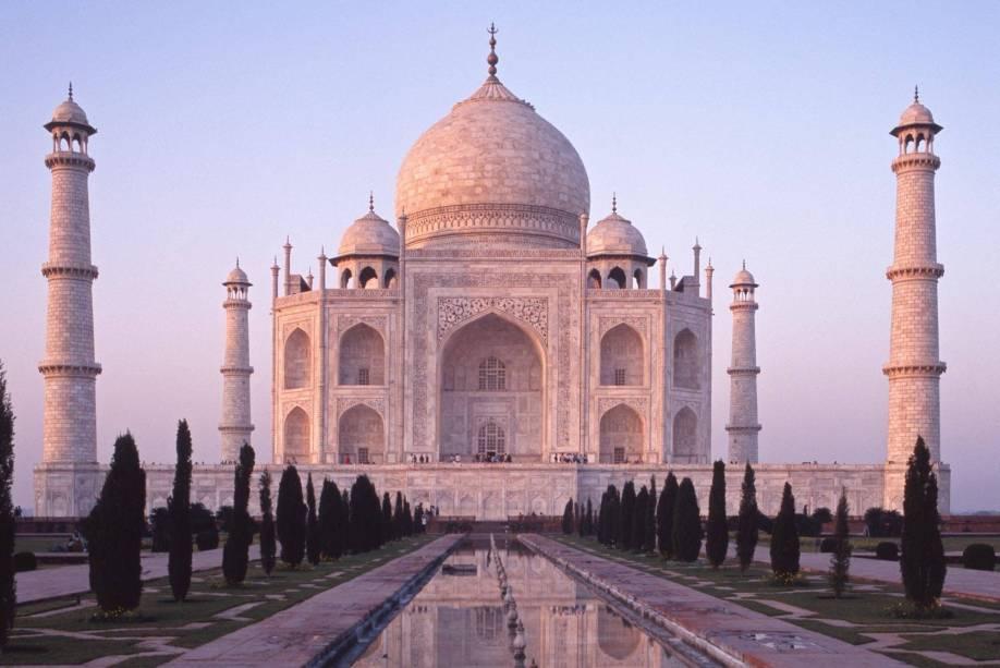 Taj Mahal, o maior e mais bonito mausoléu do mundo