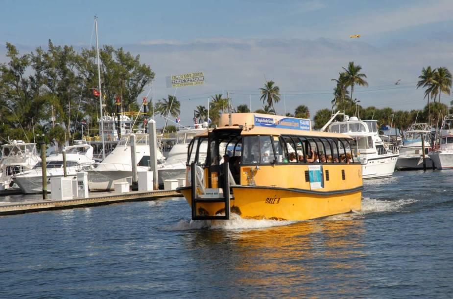 """Em <a href=""""http://viajeaqui.abril.com.br/cidades/estados-unidos-fort-lauderdale"""" rel=""""Fort Lauderdale"""">Fort Lauderdale</a>, o que não faltam são os que se deram bem na vida e estão vivendo no local para desfrutar dos prazeres do clima quente e das praias da região – é a concretização do <em>american dream</em>"""