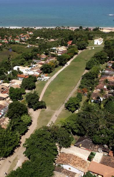 Com praias de areia clara, mar de tons esverdeados, cercada de coqueiros e barracas badaladas, Trancoso (BA) se transformou em um dos destinos mais visitados do Brasil