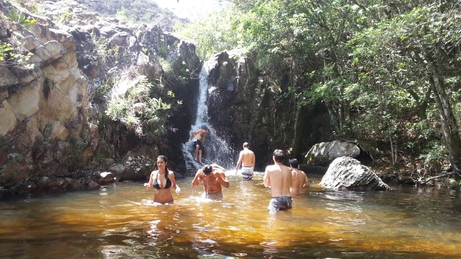 Pausa para banho de cachoeira é a hora mais aguardada pelos turistas