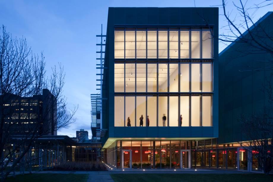 """No<a href=""""http://viajeaqui.abril.com.br/estabelecimentos/estados-unidos-boston-atracao-isabella-stewart-gardner-museum"""" rel=""""Isabella Stewart Gardner Museum"""" target=""""_blank"""">Isabella Stewart Gardner Museum</a>,obras de grandes nomes da arte, como Botticelli e Degas,disputam a atenção do visitante"""