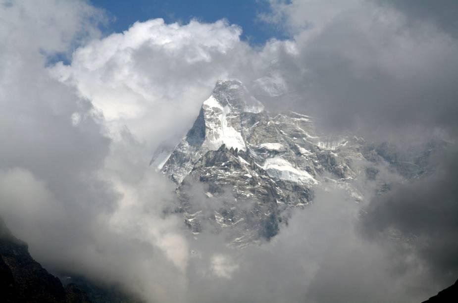 Kathmandu é uma espécie de trampolim logístico para o Himalaia