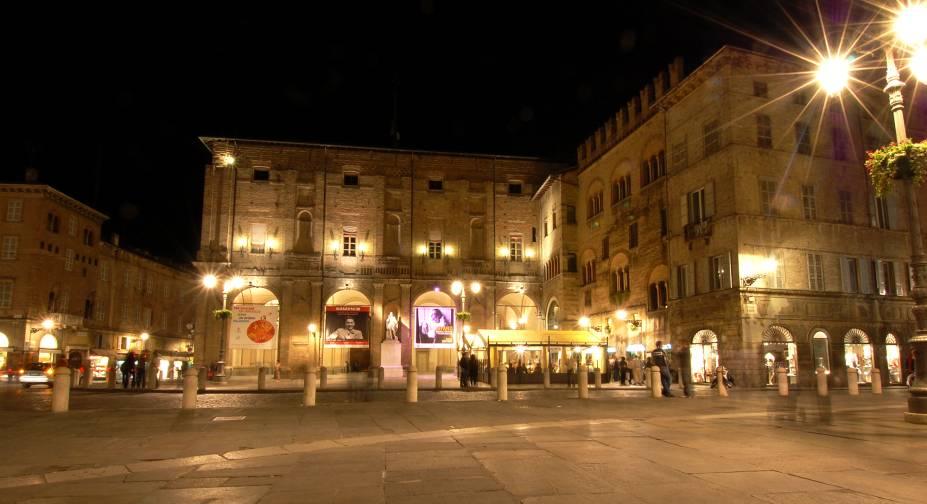 Piazza Garibaldi à noite