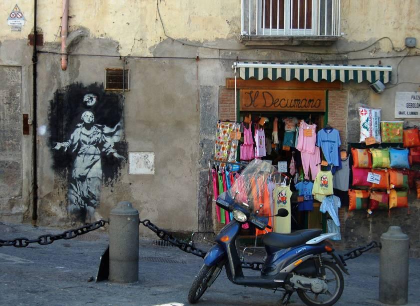Mais original do que as outras cidades do norte da Itália, Nápoles tem muito a oferecer aos visitantes abertos a novas visões sobre o modo de viver do italiano