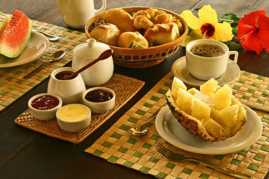 Café da manhã servido na Pousada Cores do Mar, na Praia de Caraíva