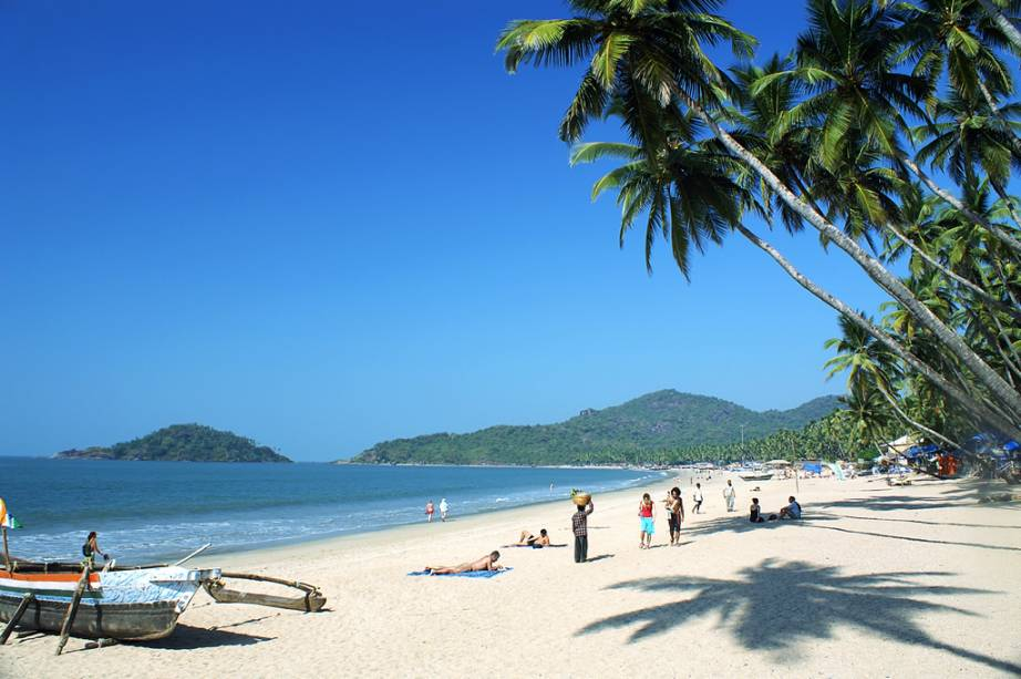 Praia de Palolem, no vilarejo de Chaudi, morada de pescadores e hippies tardios em Goa